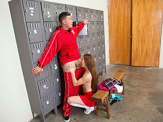 innocenthigh kimberly brix - Slutty Squirting Cheerleader