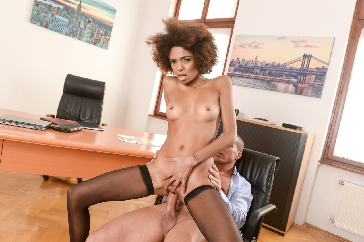 Luna Corazon Interracial Office Orgasm
