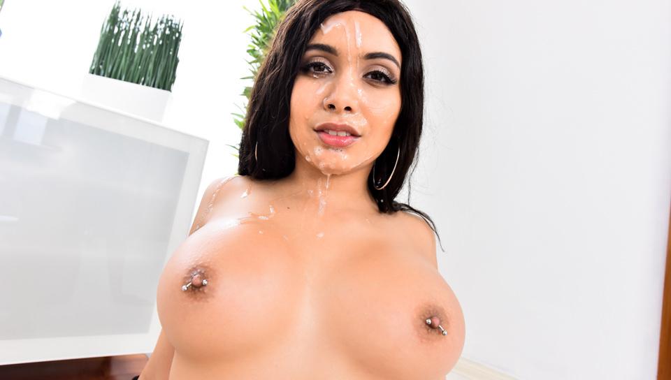 Aaliyah Hadid Hot Cumshot