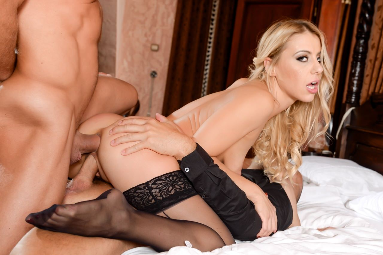 Nikky Thorne Caught Between Two Cocks