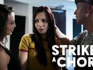 74270 01 01 320x240 - Strikes A Chord