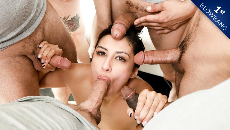 Gianna's First Blowbang, Scene #01