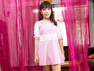 76366 01 01 320x240 - Yuki Love Solo 2, Scene #01