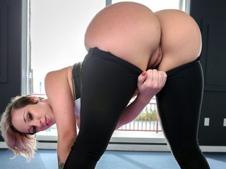 superbig 172 320x240 - Jada Stevens does yoga for Ass Parade
