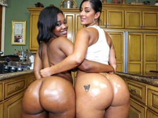 superbig 289 320x240 - Double the hot huge asses