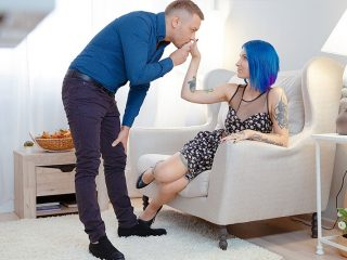 16a51366 320x240 - Blue-haired babe enjoys dick on floor