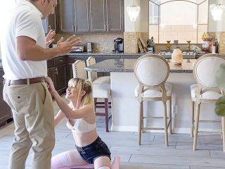 Step Daughter's Instant Orgasm Jessie Saint