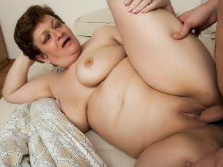 mature28 320x240 - Chubby granny gets a cock in her ass