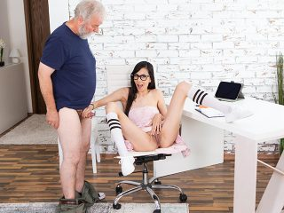 Slim babe spices the boring additional lesson