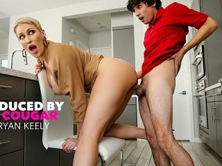 Ryan Keely makes the delivery boy a cock sandwich between her tits!!!