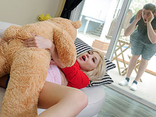Sia Lust Freaky With The Teddy