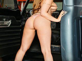 390x590c 472 320x240 - Kagney Linn Karter Fucks you DIRTY in the garage