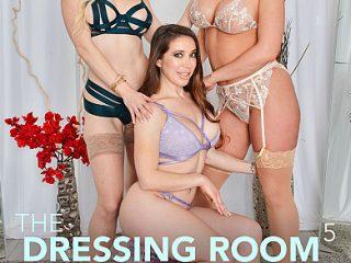 390x590c 604 320x240 - Bianca Burke, Kit Mercer, & Rachael Cavalli get fucked in the dressing room