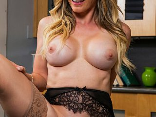 390x590c 74 320x240 - Cory Chase gives student tips on making a women's pussy dripping wet