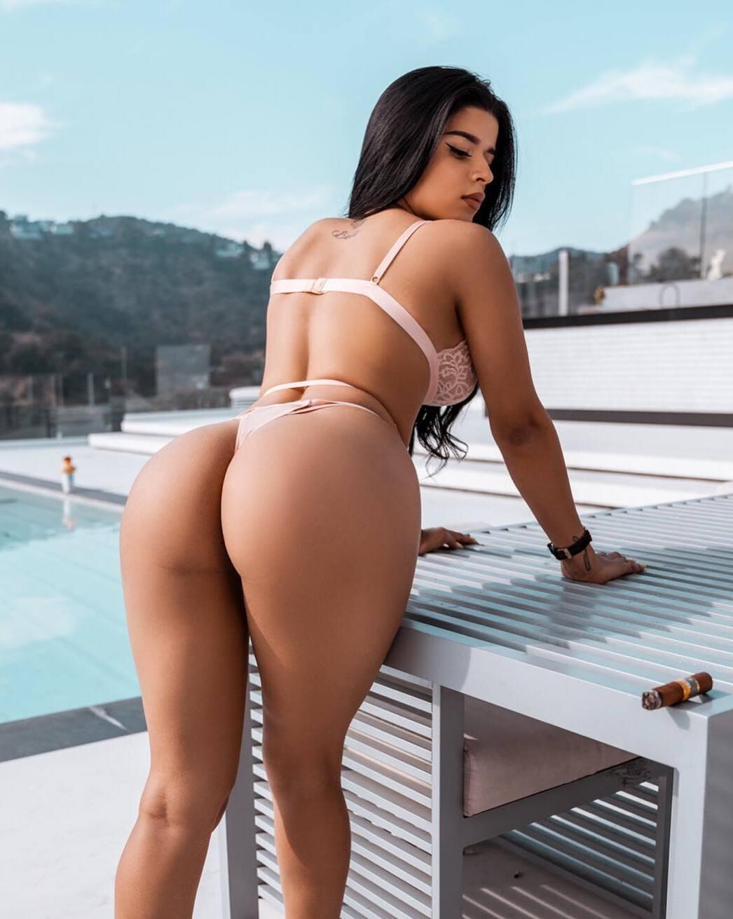 Juanita Belle Perfect Big Ass In Bikini - Tyga Fucking Juanita Belle OnlyFans Leaked Porn Video