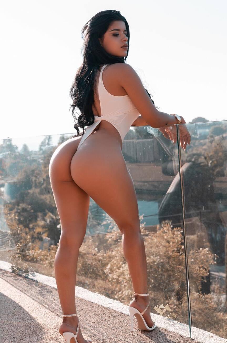 Juanita Belle flaunts perfect big ass in high heels - Tyga Fucking Juanita Belle OnlyFans Leaked Porn Video