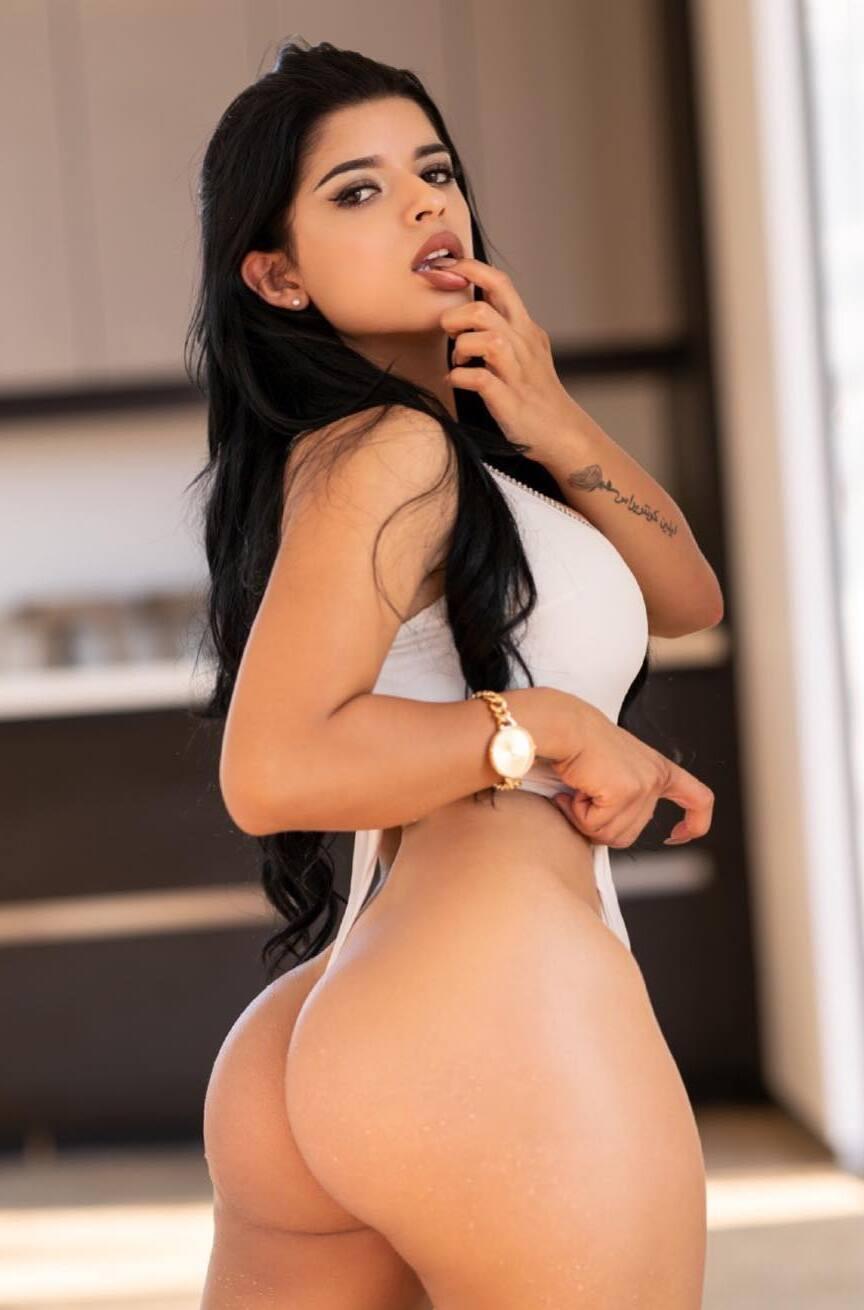 Juanita Belle horny babe big ass - Tyga Fucking Juanita Belle OnlyFans Leaked Porn Video