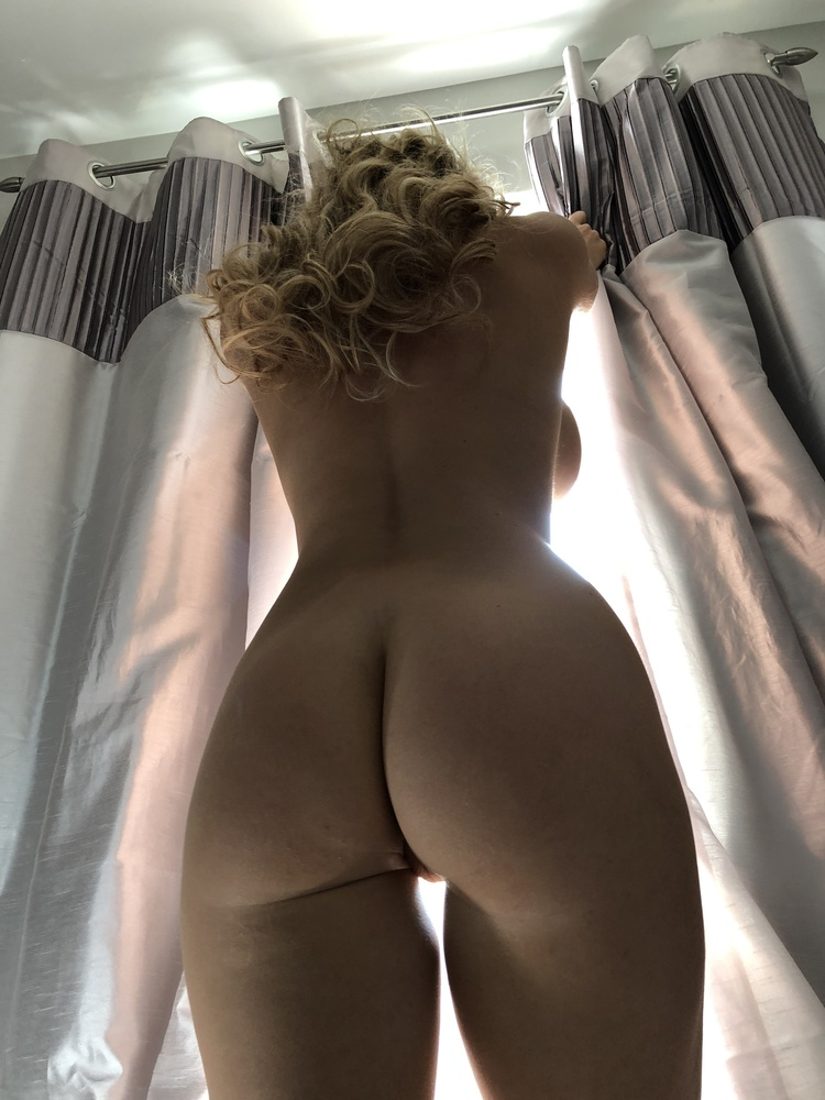 Amber Jade Fully Naked Showing Big Nude Ass - Amber Jade OnlyFans Leaked Porn Video