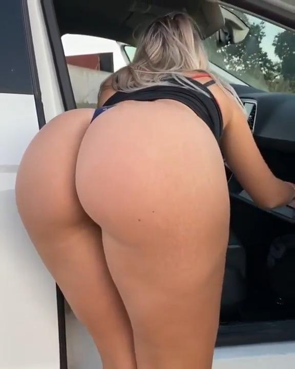 Curvy Babe Paola Celeb Big Ass Bent Over - Paola Skye Celeb OnlyFans Porn Video Leak