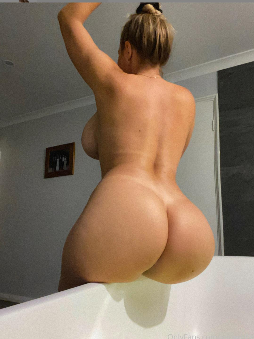 Jem Wolfie Perfect Nude Ass - Jem Wolfie Jiggle Nude Natural Big Boobs OnlyFans