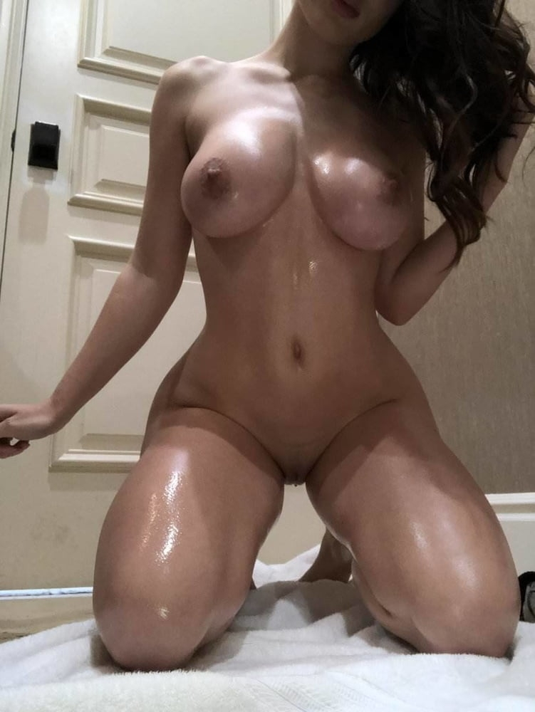 Lana Rhoades nude oiled big tits shaved pussy onlyfans porn - Lana Rhoades OnlyFans Nude Porn Videos