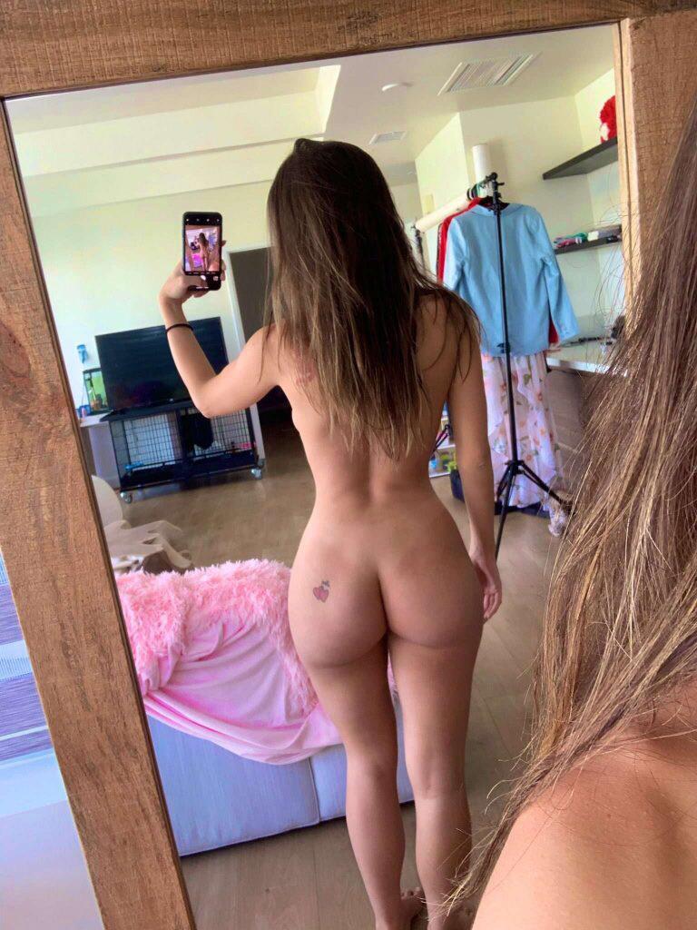 Sexy pornstar Lana Rhoades naked selfie - Lana Rhoades OnlyFans Nude Porn Videos